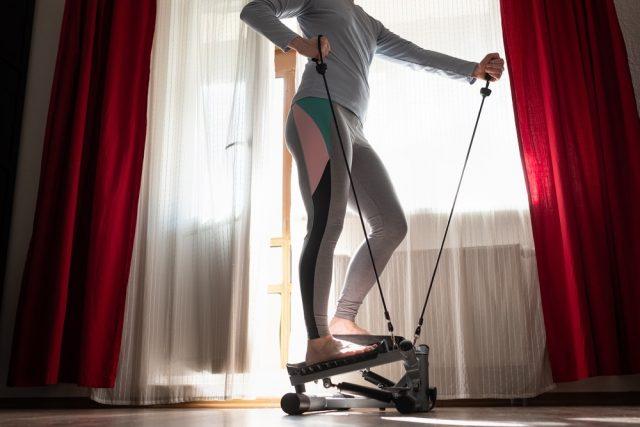 Túžite po domácom fitness? Začnite so stepperom